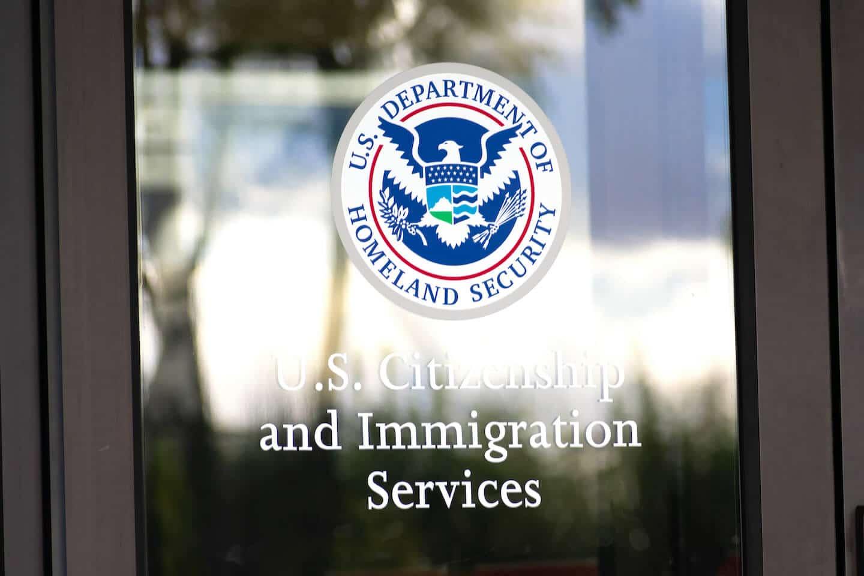 USCIS Suspende Temporalmente los Requisitos de Servicios Biométricos para Ciertos Solicitantes del Formulario I-539